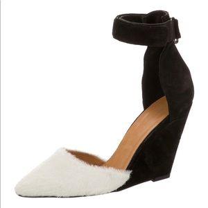 Closed toe wedge sandal
